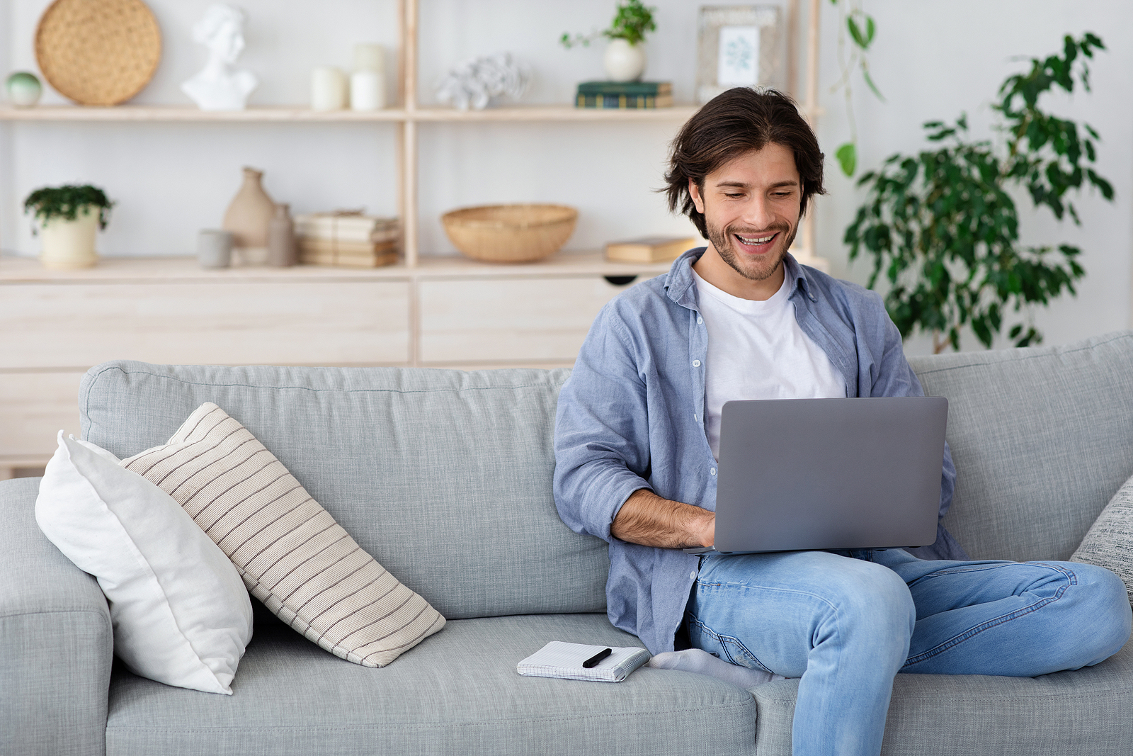 What Are the Best Online Jobs from Home Without an Investment?